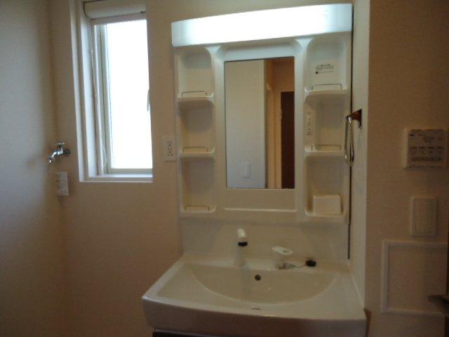 Epoch・K 00201号室の洗面所