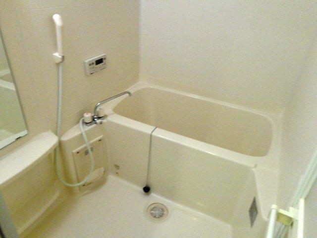 ハレクラニⅠ 202号室の風呂
