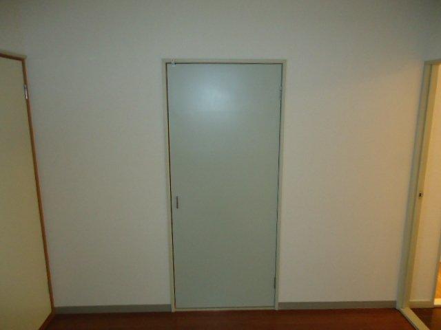 ハイツパークサイド 102号室の収納