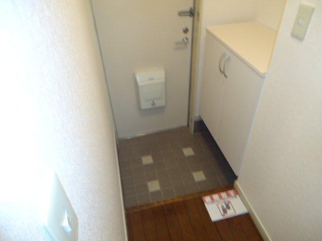 ハイツパークサイド 102号室の玄関