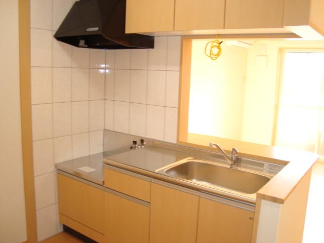 ワースファミリア 103号室のキッチン