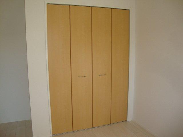 ムーンハイツ 102号室の収納