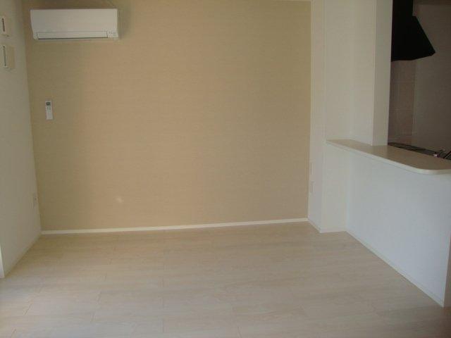 ムーンハイツ 102号室のリビング