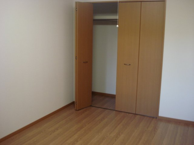 フィオーレ 102号室のベッドルーム