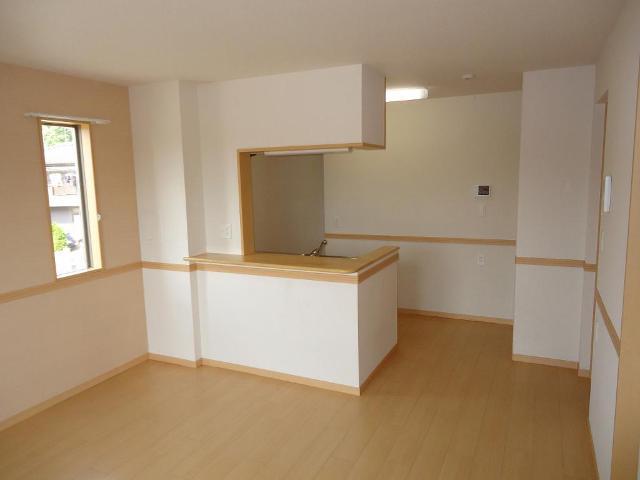 カーサ・コスモ 00201号室のリビング