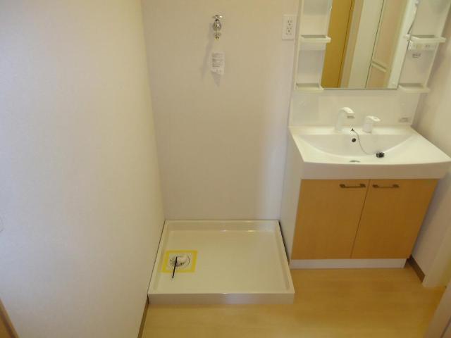 カーサ・コスモ 00201号室の洗面所