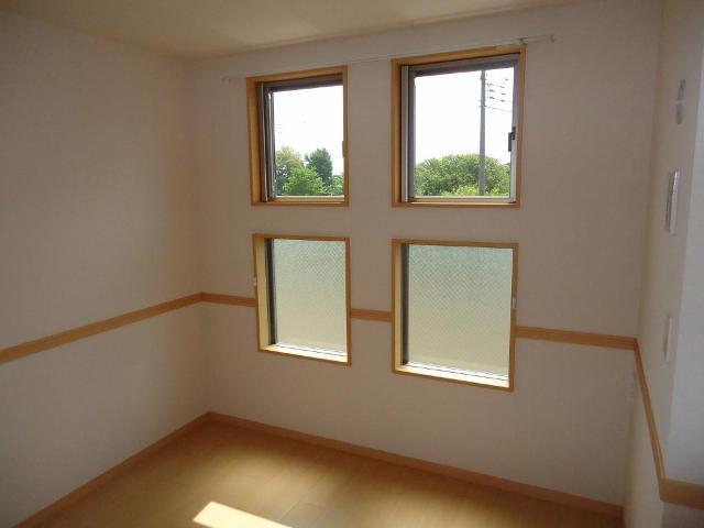 カーサ・コスモ 00201号室の居室