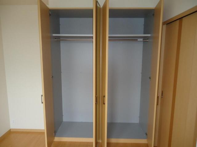 ギャレットコート 205号室の収納