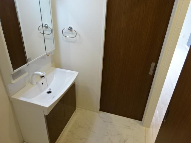 アリュール 106号室の洗面所