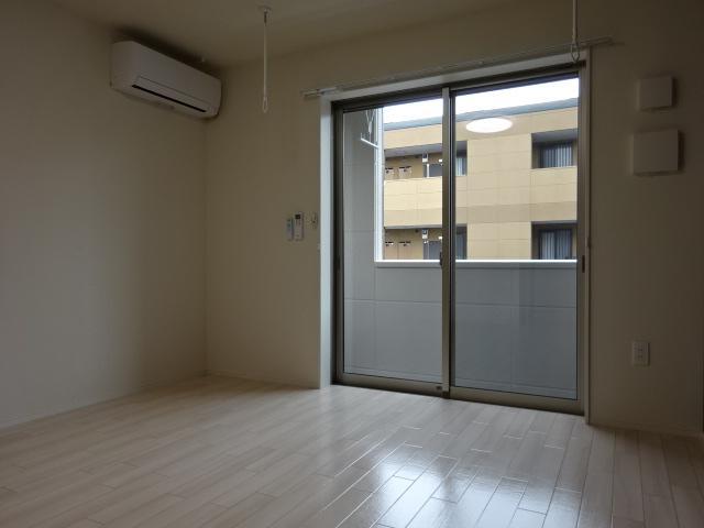 アリュール 106号室の居室