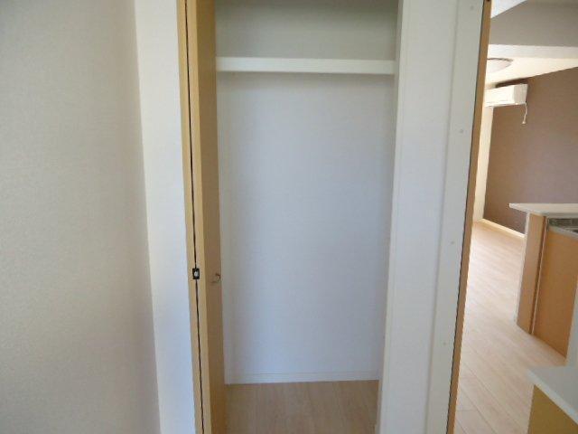 (仮)裾野市佐野アパート新築工事 303号室の収納