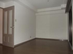 ラビ目黒 106号室の居室