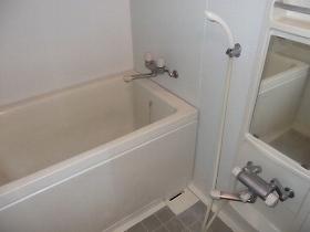 ラビ目黒 106号室の風呂