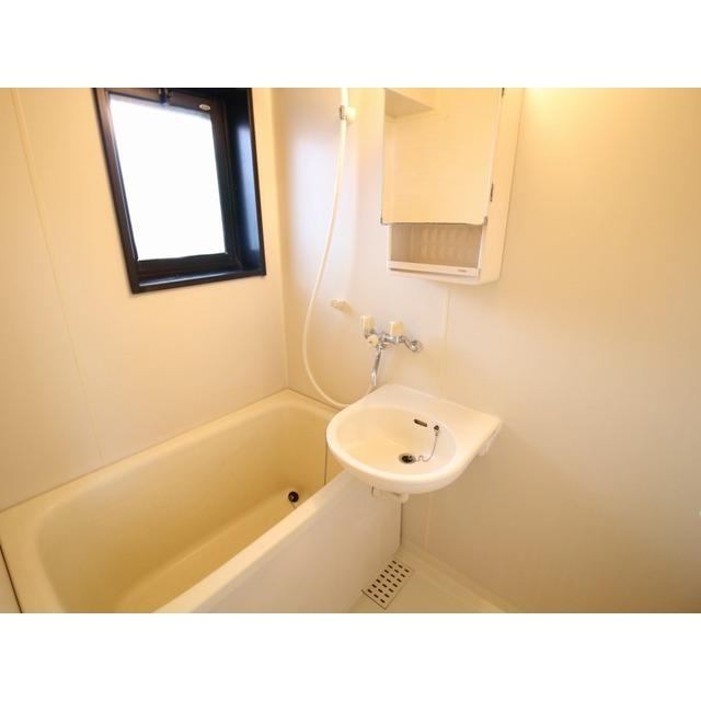 プレール都立大 105号室の風呂