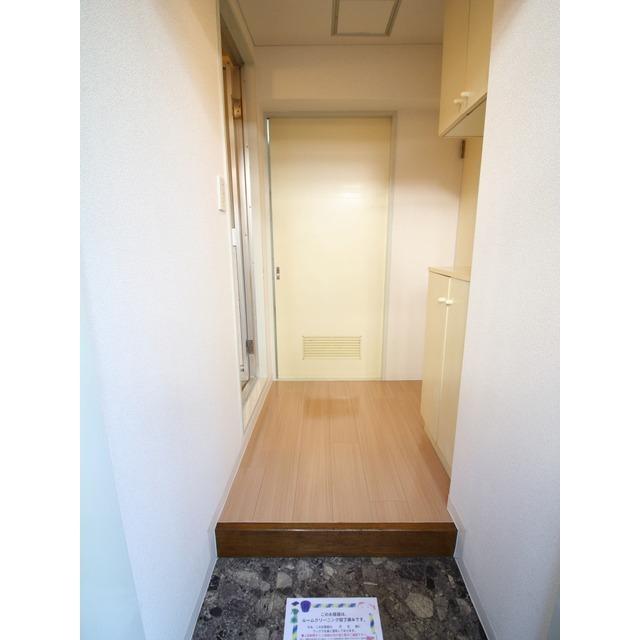 プレール都立大 105号室の玄関