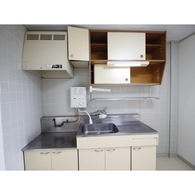 上尾リバーストーン 302号室のキッチン