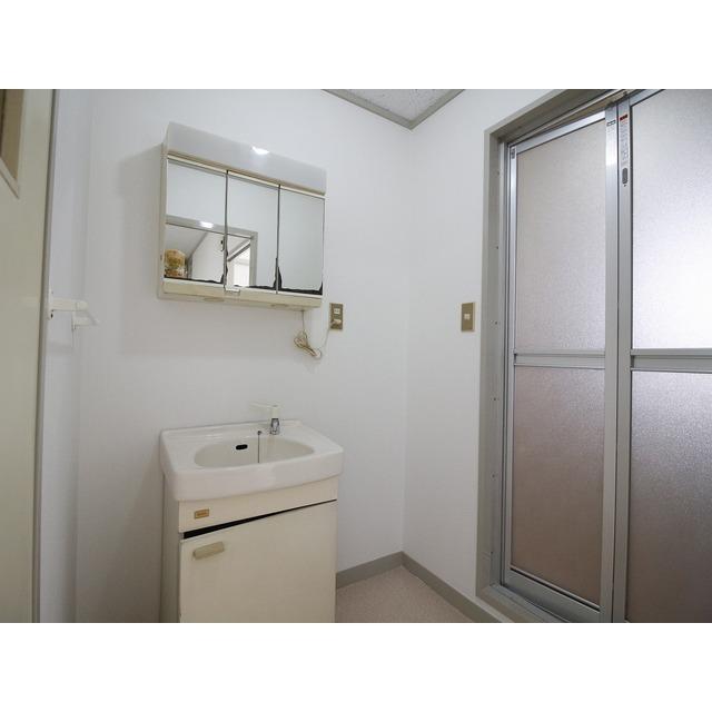 上尾リバーストーン 302号室の洗面所