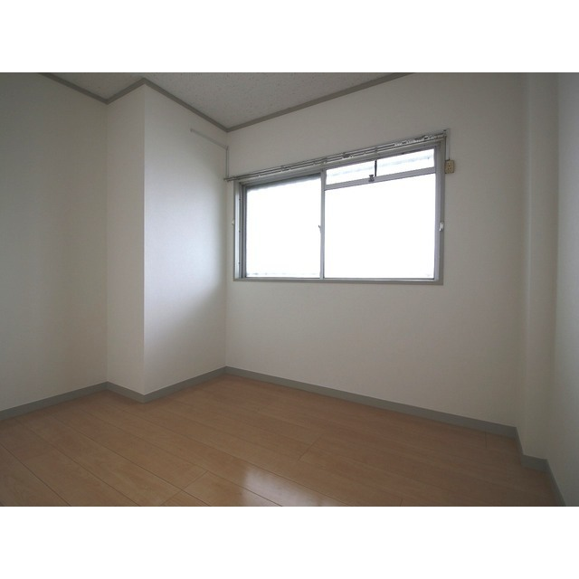 上尾リバーストーン 302号室の居室