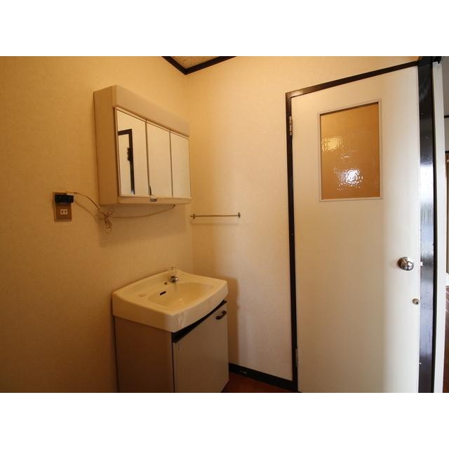 上尾リバーストーン 303号室の洗面所