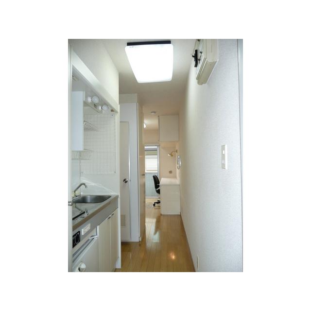 ルーニィ平町 0202号室のキッチン