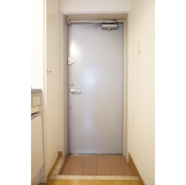 ルーニィ平町 0203号室のエントランス