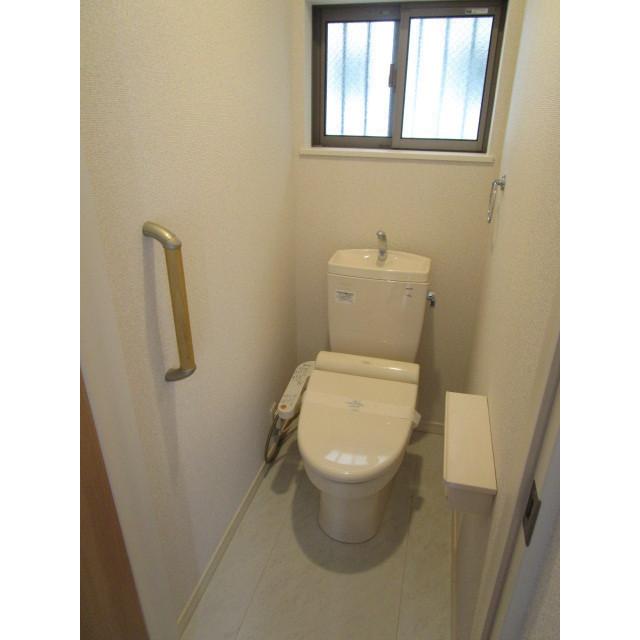 水引2丁目貸家のトイレ