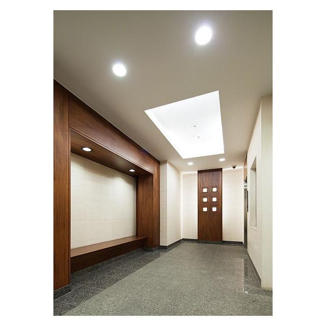 コンフォリア三宿 0302号室のエントランス