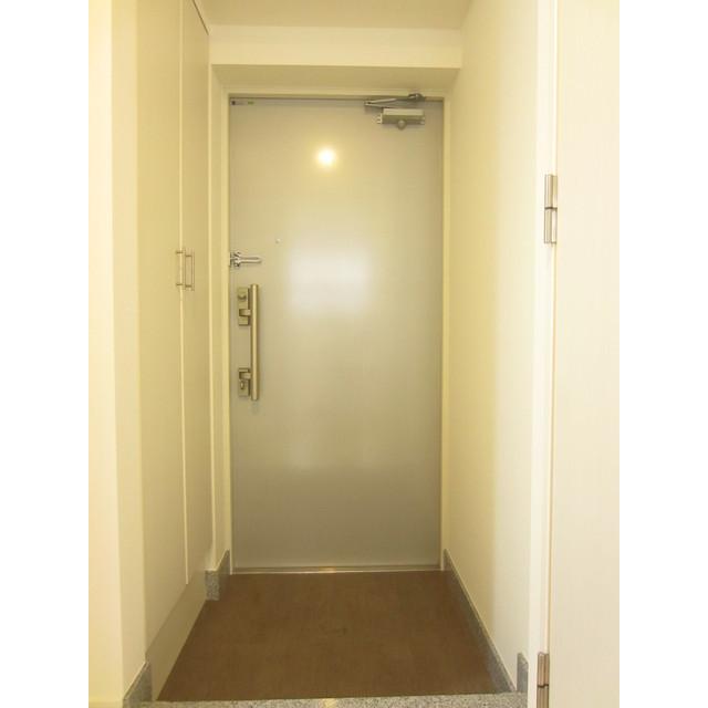 ブリーズヴェール東山 0702号室の玄関