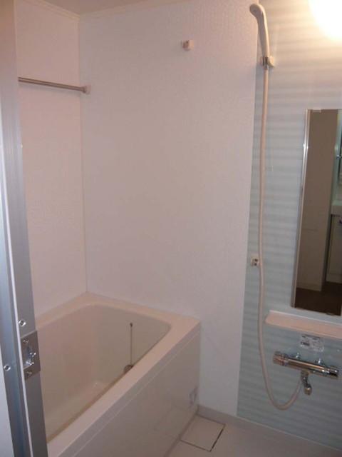ブリーズヴェール東山 0702号室の風呂