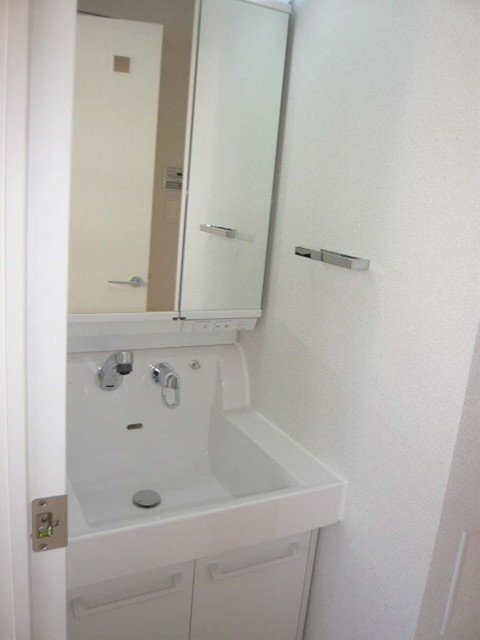 ブリーズヴェール東山 0702号室の洗面所