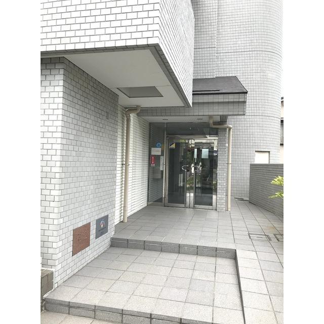 パストラル野沢壱番館 301号室のエントランス