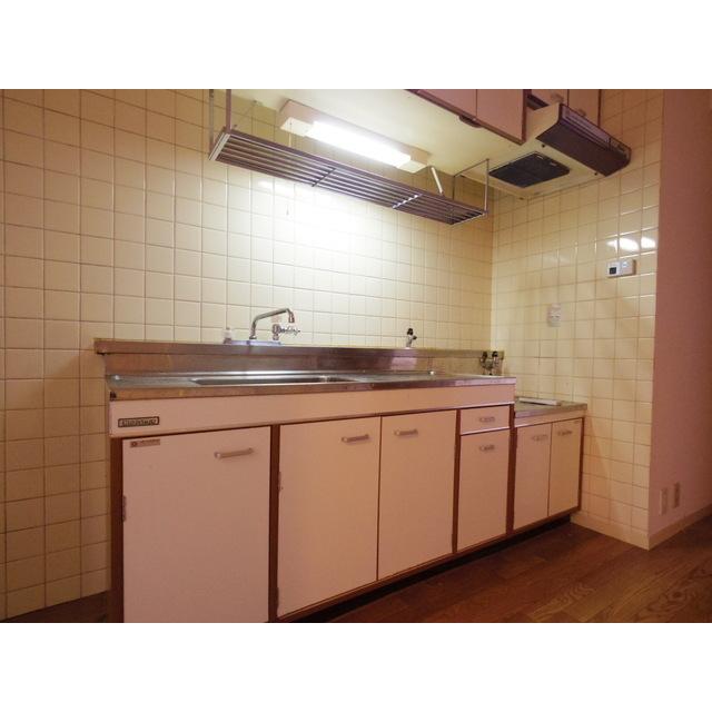 ロイヤルパレス渋谷 202号室のキッチン