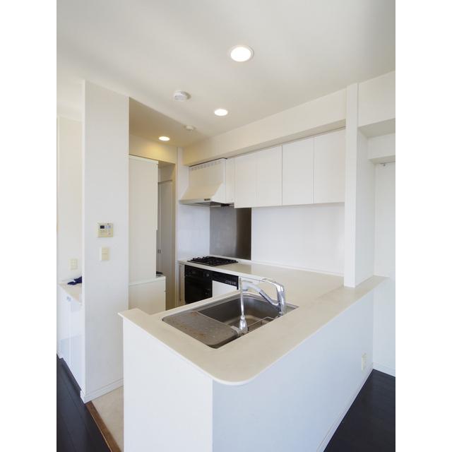 スカイレジデンシャルタワーズノースウイング 12F号室のキッチン