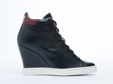Adidas Originals In Black Stan Smith Up