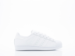Adidas Originals In White Superstar Foundation Womens