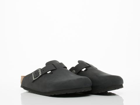 Birkenstock In Black Oiled Leather Boston