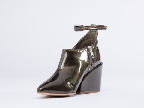 Cheap Monday In Green Metallic Cube Pump Deep
