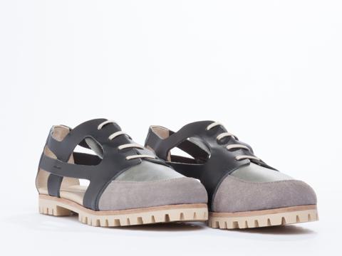 Deux Souliers In Graphite Cut Sandal 1