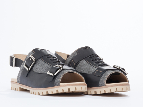 Deux Souliers In Stone Washed Black Teeth Sandal 2