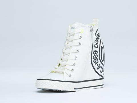 DKNY In White Grommet Zip Token