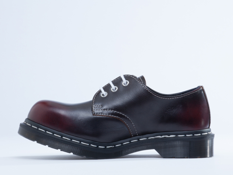 Dr. Martens In Cherry Red Rouge 1925