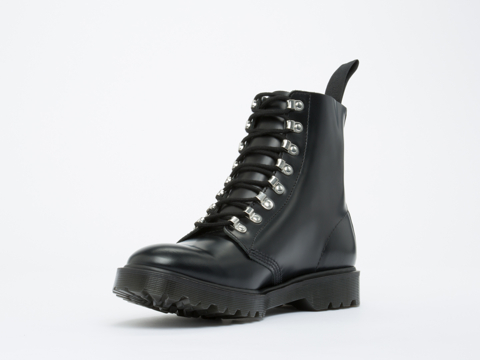 Dr. Martens In Black Smooth Assange Mens