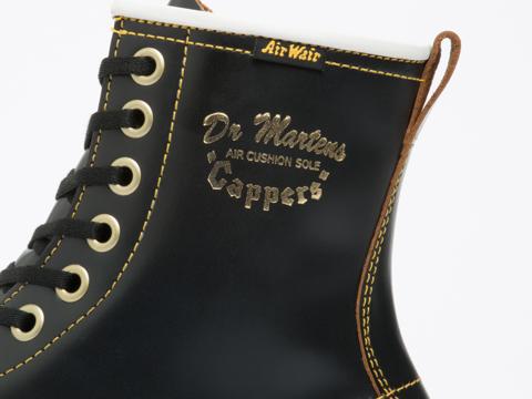 Dr. Martens In Black Vintage Smooth Capper Mens