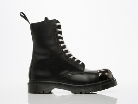 Dr. Martens In Black Polished Smooth Grasp Mens
