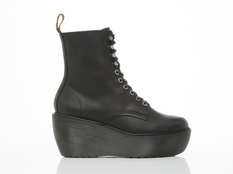 Dr. Martens In Black Polished Wyoming Jamila