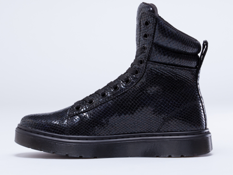 Dr. Martens In Black Wave Mix