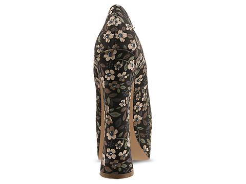 DV8 by Dolce Vita In Floral Fabric Vixen