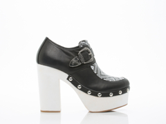 EEight In Black White Ellen