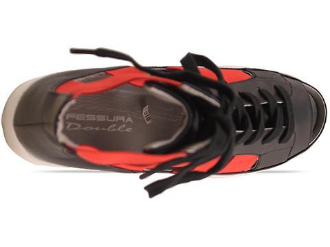 Fessura In White Black Red Double Star