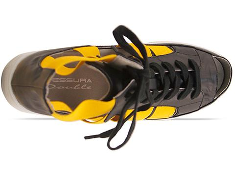 Fessura In White Black Yellow Double Star